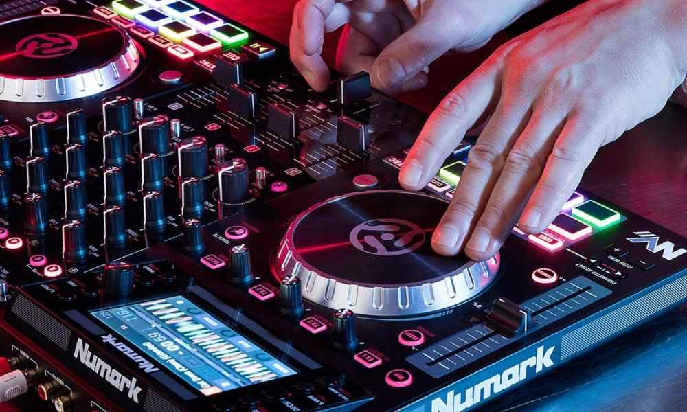 Numark NVII DJ Controller for Serato DJ Review